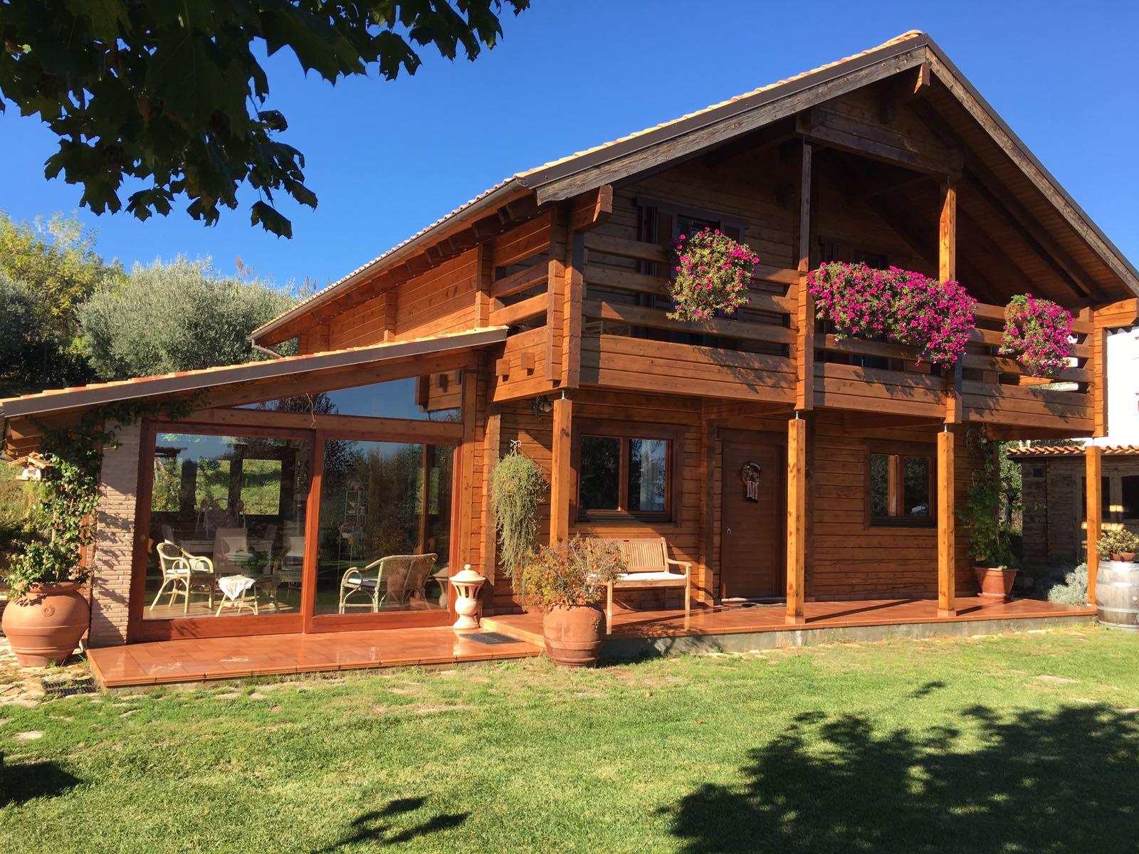 Case in legno tradizionali case in legno prefabbricate for Piani di casa cottage e bungalow