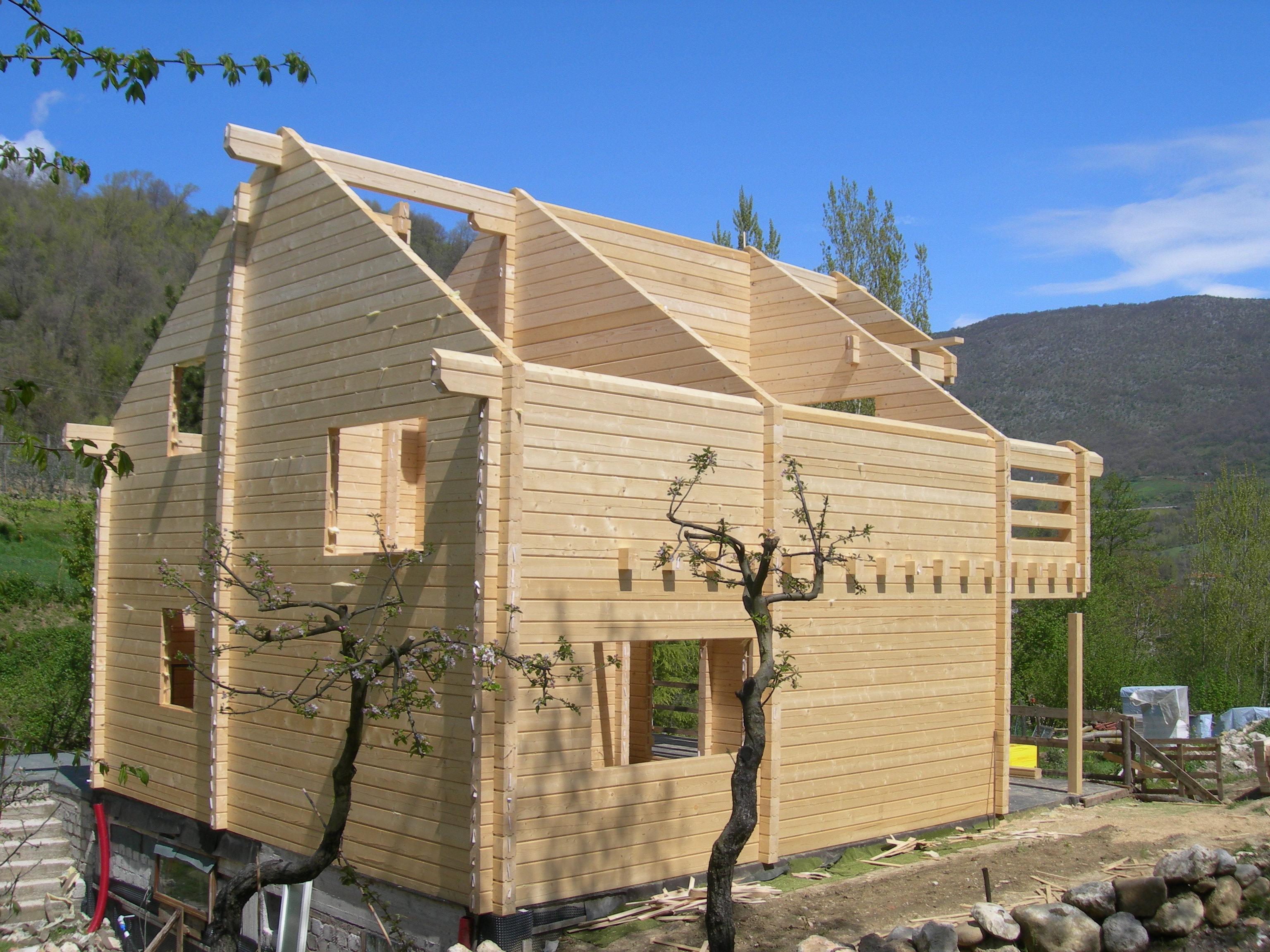Casa in legno Abruzzo in tronchi squadrati