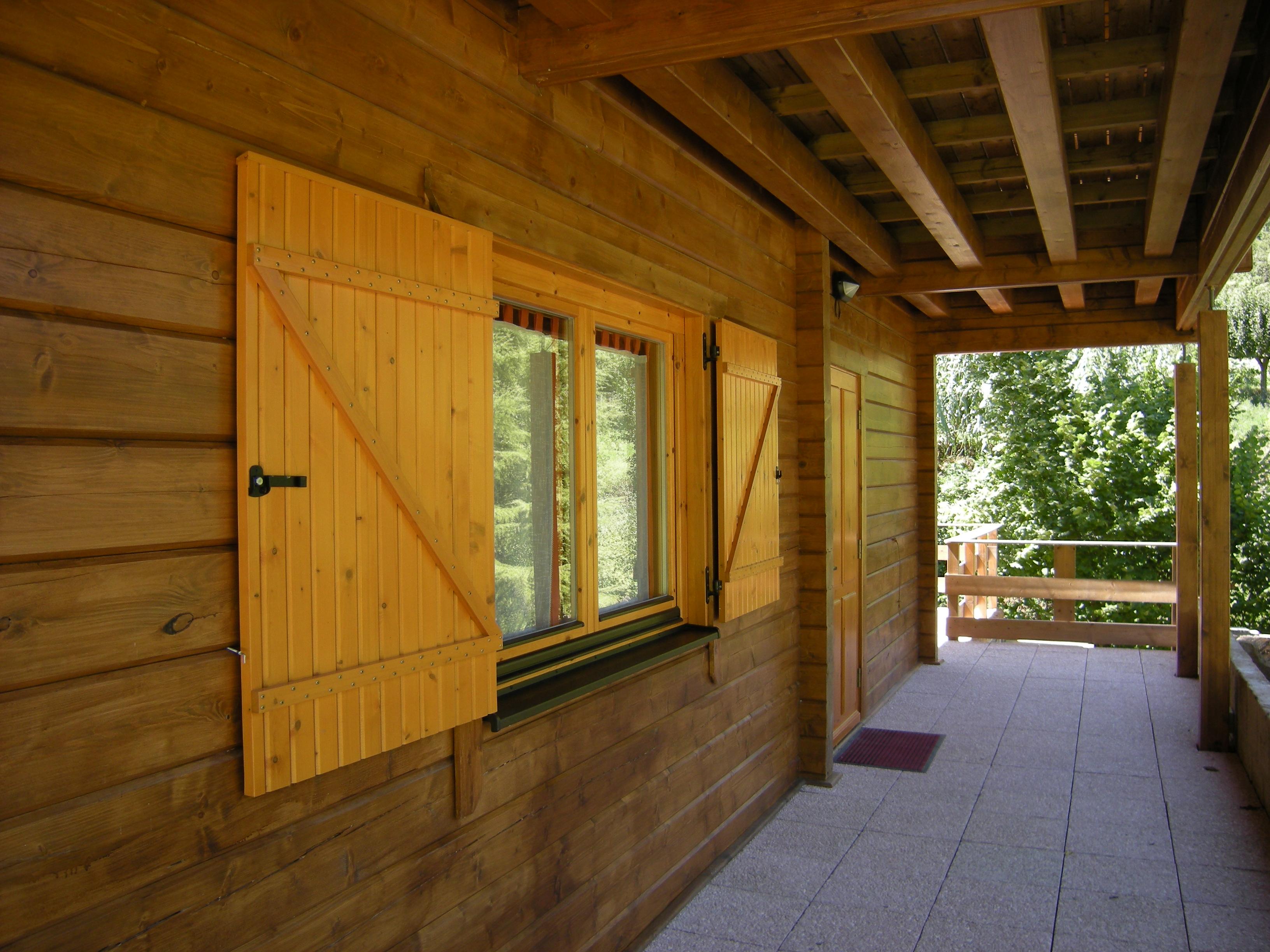 Case in legno in legno massiccio