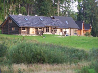 Casa in legno costruita con il legno massiccio